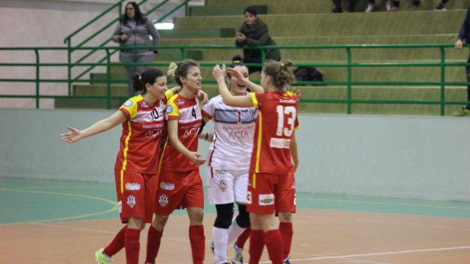 Calcio, Angelana C5 femminile vince in Puglia 10-2, serie A2 futsal