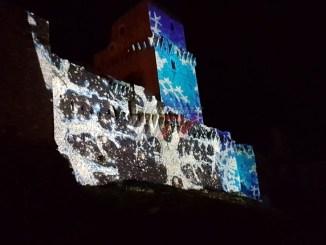 Natale Assisi, la Rocca Maggiore illuminata con tanti bei colori