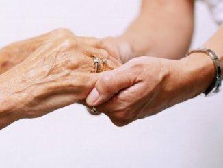 Coronavirus Assisi è vicina ai suoi nonni solidarietà e prossimità