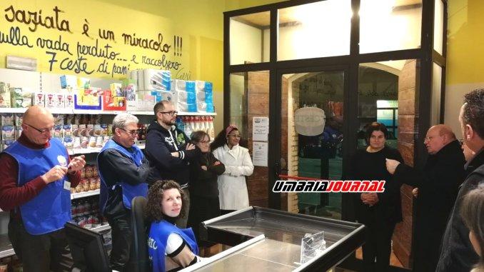 Sorrentino e vertici Caritas visitano Emporio solidale 7 ceste di Santa Maria degli Angeli