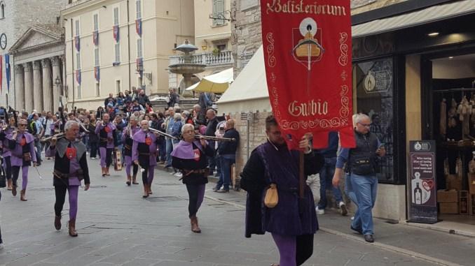 Calendimaggio Assisi 2018, ecco la competizione dei Balestrieri di Assisi, Gubbio e Sansepolcro