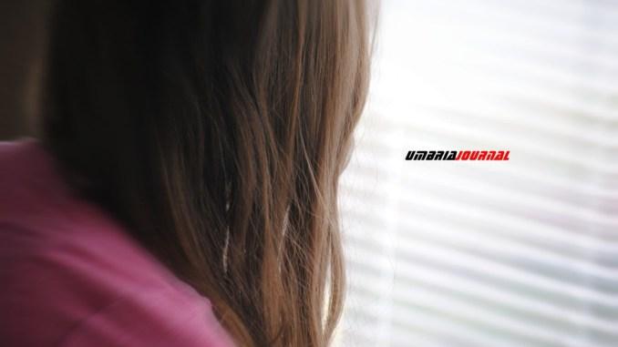 Violenta figlia di 12 anni, il padre resta in carcere a Capanne
