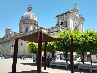 Turista investito in piazza Garibaldi a Santa Maria degli Angeli