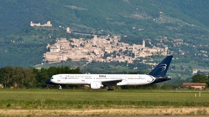 """Aeroporto San Francesco di Assisi, Bellini, perché """"vivacchiare"""" su offerte?"""