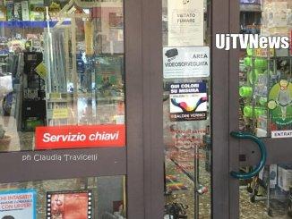 Ladri assaltano, in pieno giorno, la Ferramenta Bolletta a Petrignano
