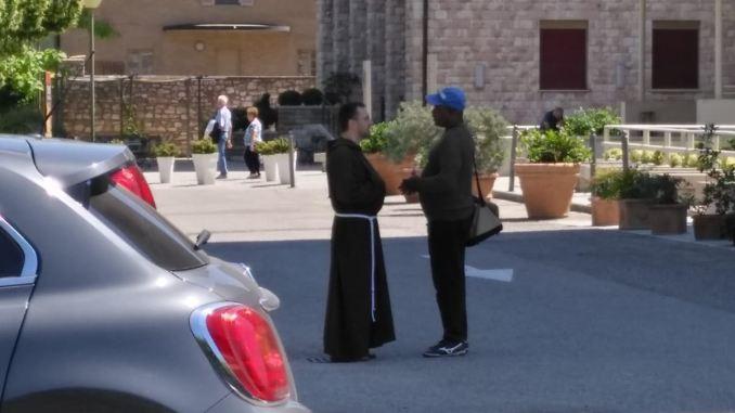 Il Fronte Nazionale di Assisi sui Parcheggiatori Abusivi