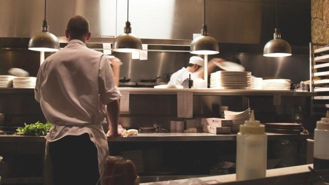Istituto alberghiero Assisi presto laboratori, ricevimento e ristorante