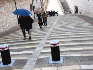 I pilomat della discordia a Piazza San Francesco, Lega riapriremo il transito