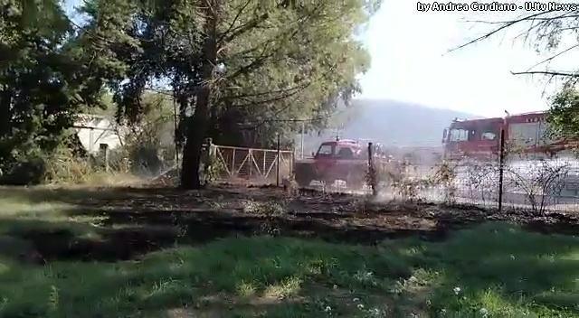 Incendio a Santa Maria degli Angeli, fiamme vicino al Lyrick