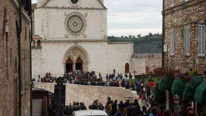 Pienone di turisti ad Assisi per il primo week end di novembre