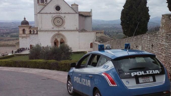 Ritrovato in albergo con 100.000 euro, arrestato latitante straniero
