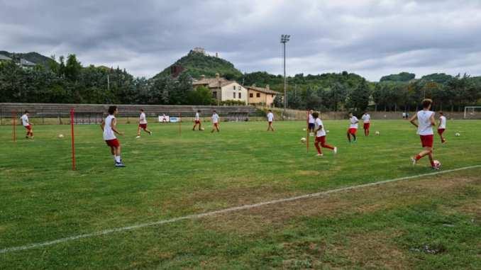 Angelana calcio, gli allievi A1 di mister Rosselli in ritiro a Frontone