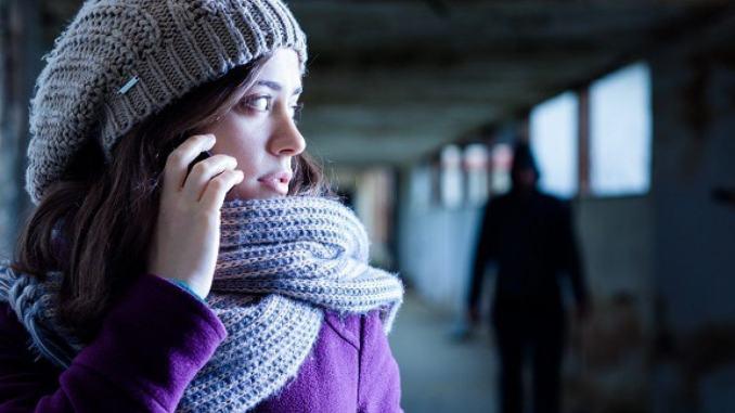 Se sei vittima di stalking o violenza chiama 1522, proposta Pd ok ad Assisi