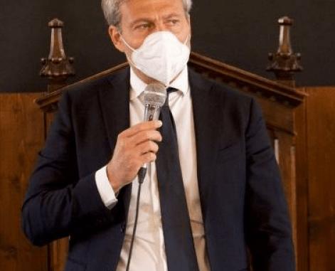 """Cosimetti al debutto in politica: """"Ecco il mio programma"""""""