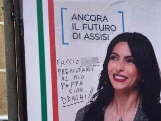 Sfregiato il manifesto elettorale del sindaco Stefania Proietti