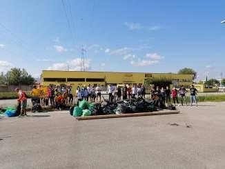 Movimento dello Sconforto Generale in occasione del World Cleanup Day, grande e importante partecipazione alla ripulitura