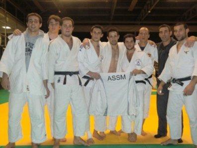 Equipe masculine 2009-2010 : - 3ème des championnats de Gironde - 3ème des championnats d'Aquitaine