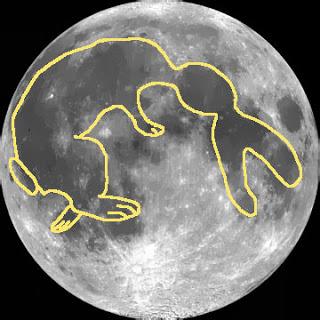 Il Coniglio sulla Luna e un Uovo Cosmico per augurarvi BUONA PASQUA