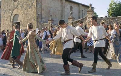 Rievocazione storica del XIII secolo in Villa Torni! Danze celtiche e scontri armati