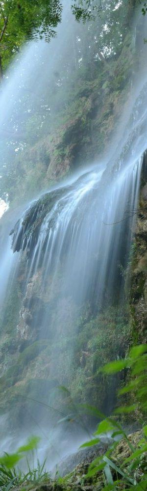 waterfall-225966_1920