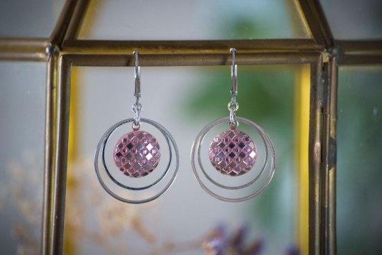 Assuna - Petites boucles Lunare Eugénie rose - inspiration vintage