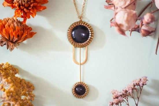 Assuna - Collier Ysée Eva - bijoux léger géométrique bouton ancien inspiration vintage