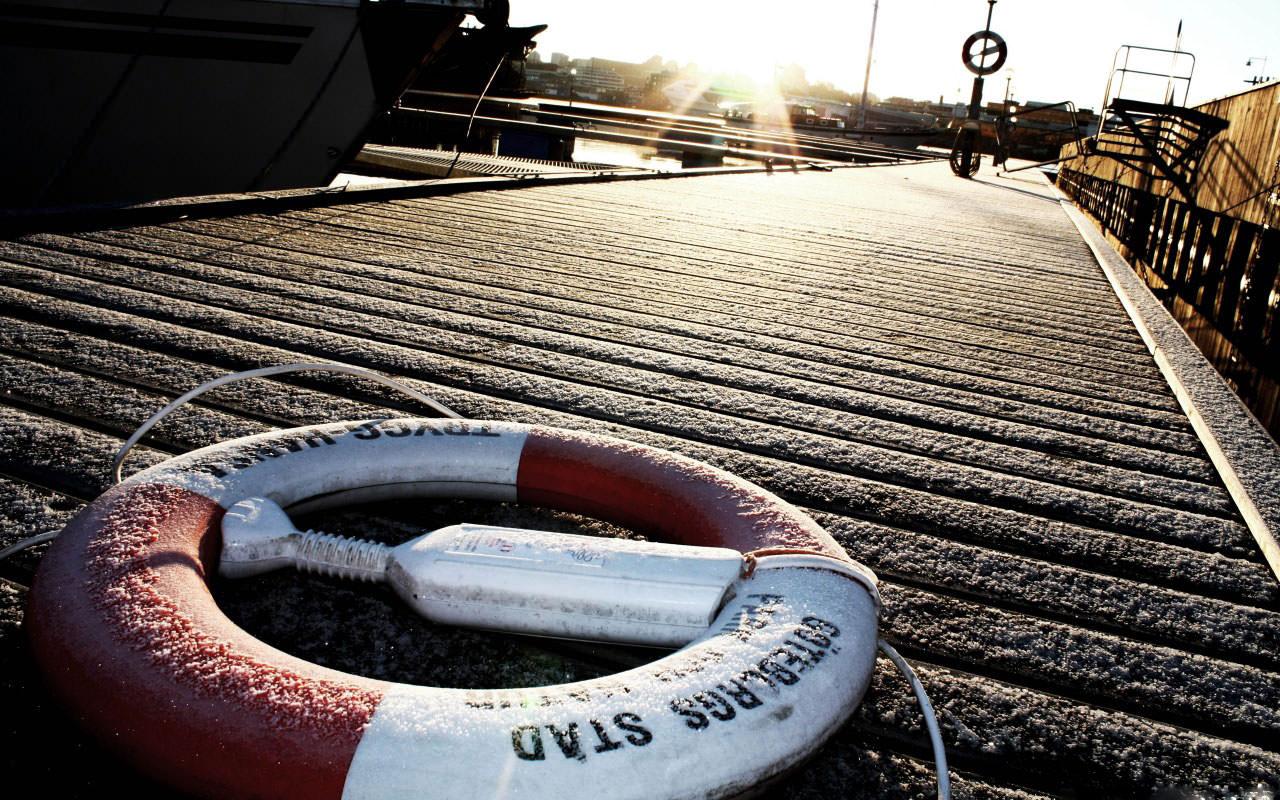 life_buoy-wallpaper-1280x800
