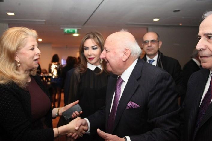 الدكتور سمير حريكي يستقبل سفيرة لبنان إنعام عسيران على مرأى من الزميلة هدى الحسيني (في الوسط) والزميل ريمون عطالله في أقصى يمين الصورة