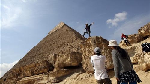 إيرادات مصر من السياحة ترتفع 27 في المئة في 2014