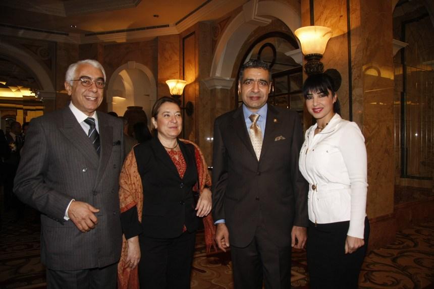 السفير حسن ضيا وعقيلته رولا، سفيرة إسبانيا ميلاغروس إيتشيفاريا، السفير جورج سيام