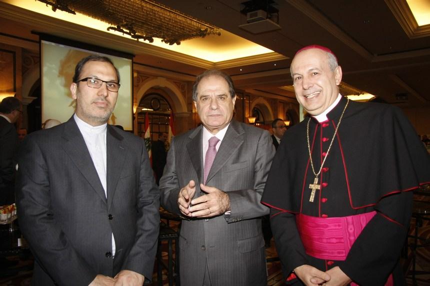 السفير البابوي غبريال كاتشا، الوزير سجعان قزي، القائم بأعمال سفارة إيران محمد صادق فصلي