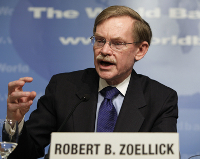 """نائب وزير الخارجية الأميركي السابق روبرت زوليك: الصين صارت """"شريكا مسؤولا"""" في النظام الدولي"""