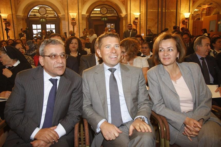 سفيرة الإتحاد الأوروبي أنجلينا إيخهورست وسفير بريطانيا طوم فليتشر والنائب علي بزي