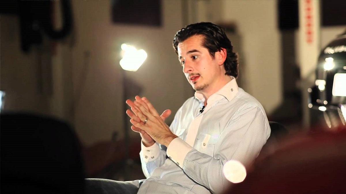 علي فيصل مصطفى: مخرج إماراتي-بريطاني صور فيلمه في أبو ظبي