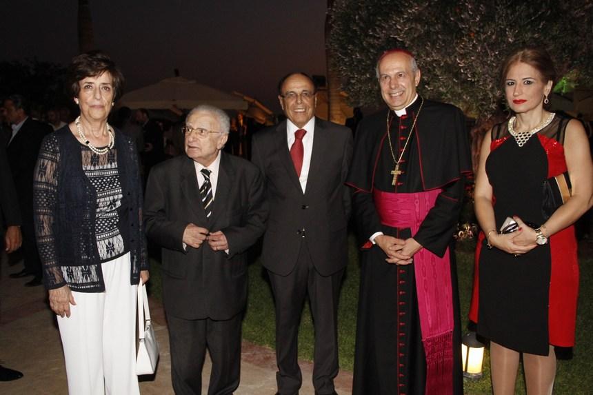 لور سليمان، السفير البابوي المونسنيور غابريال كاتشا، سفير المغرب علي أومليل، محمد البعلبكي، منى عفيش