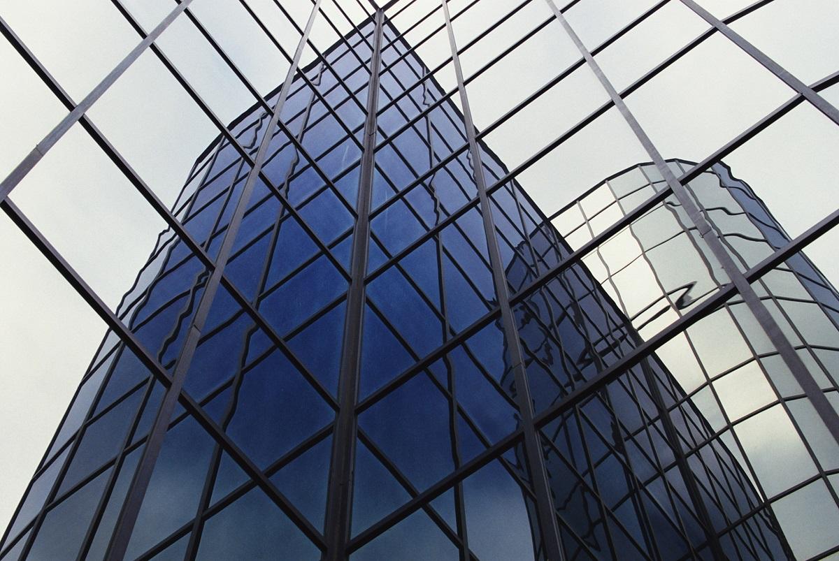 تباين العائدات التشغيلية لدى الشركات العقارية في الخليج