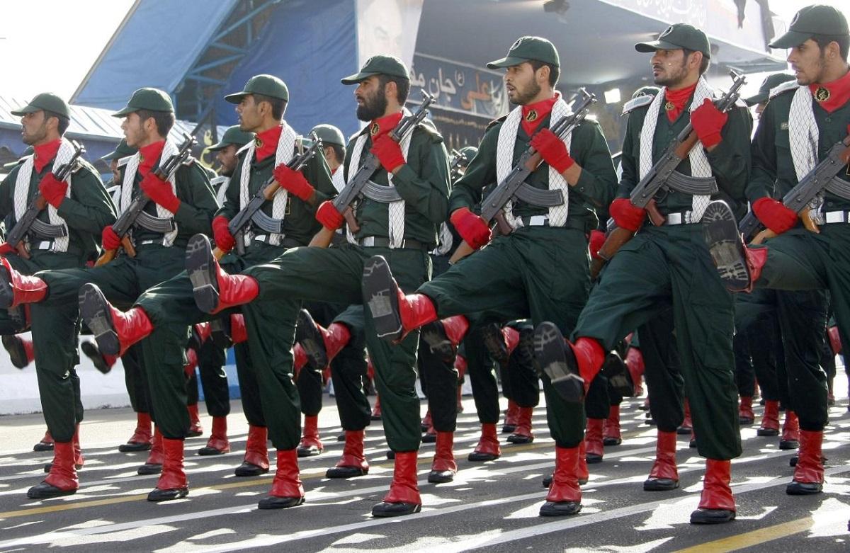 نتيجة الصراع بين حسن روحاني والحرس الثوري تحدد مستقبل إيران