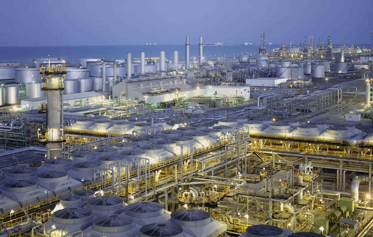 السعودية: تَحوُّلٌ في إستراتيجية الطاقة له تداعيات على القطاع الصناعي