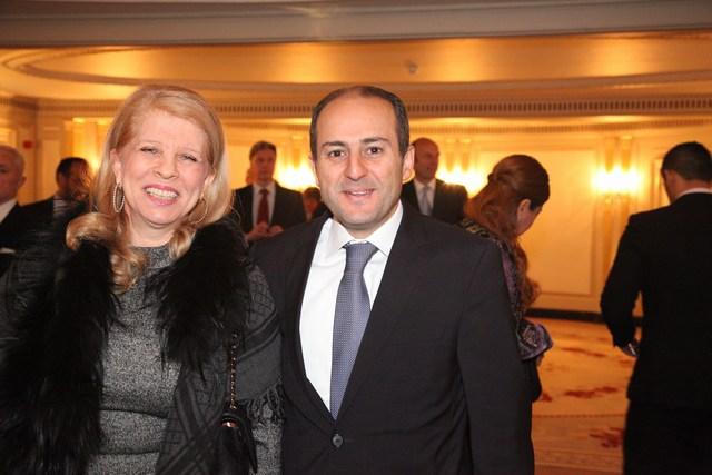 سفيرة لبنان إنعام عسيران وإلى يسارها قنصل لبنان طوني فرنجية