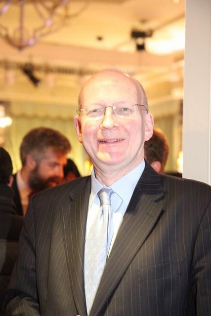 وزير الدولة البريطاني السابق لشؤون الشرق الأوسط أليستير هاريسون