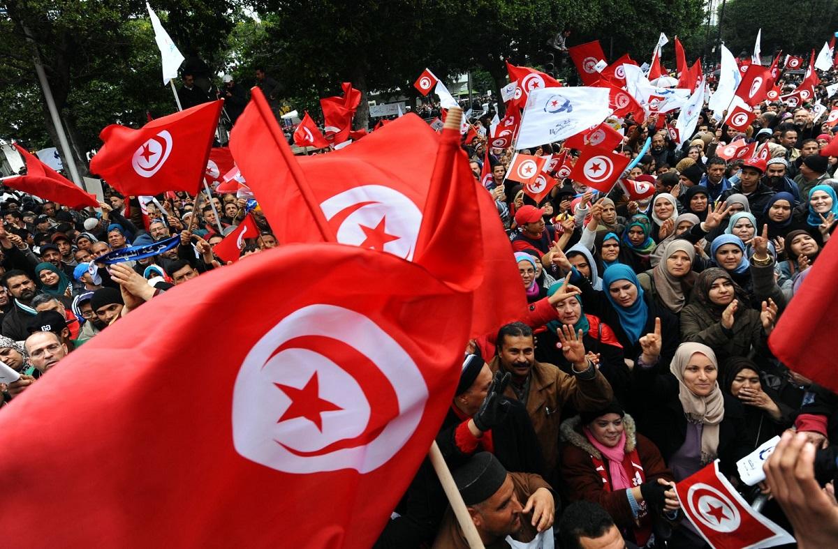ضباب تونسي كثيف حول مقررات حركة