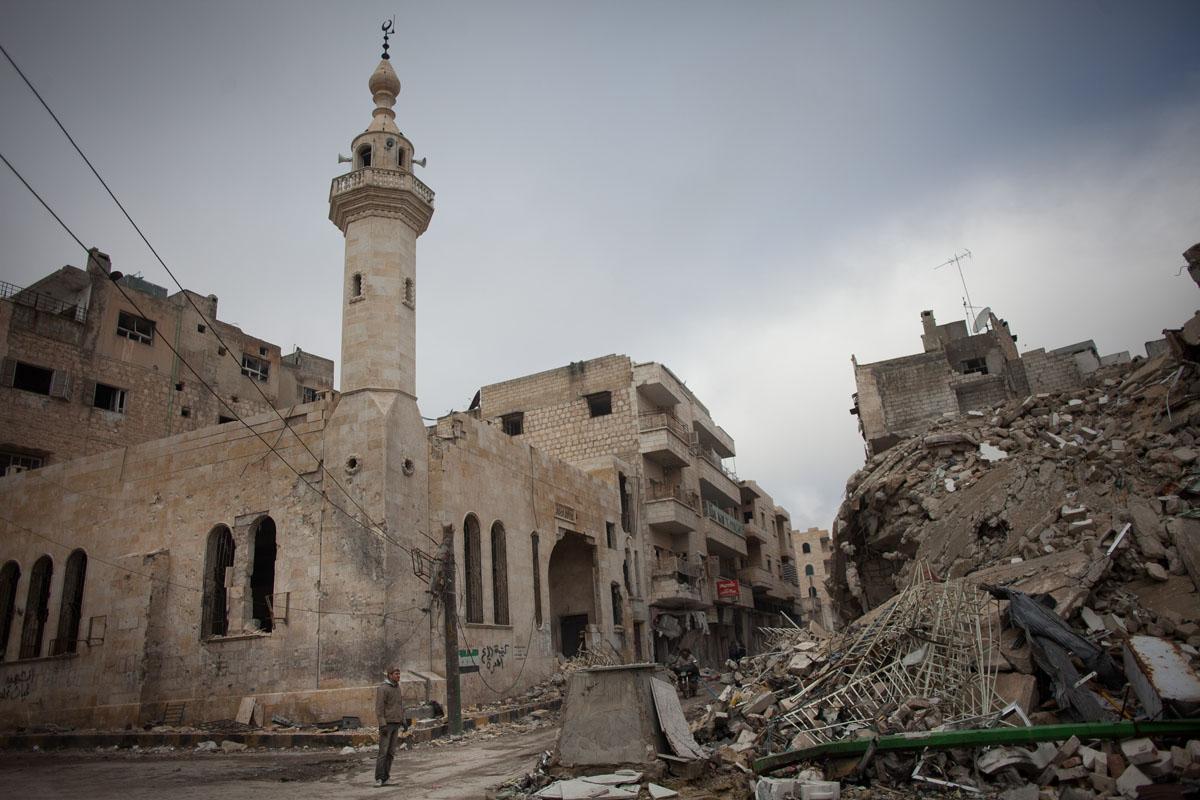 من يَربَح الصراع على إدلب بين تركيا والنظام السوري؟