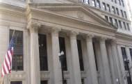هل يؤدي إنخفاض الفائدة والديون العالية إلى أزمة مالية عالمية جديدة؟