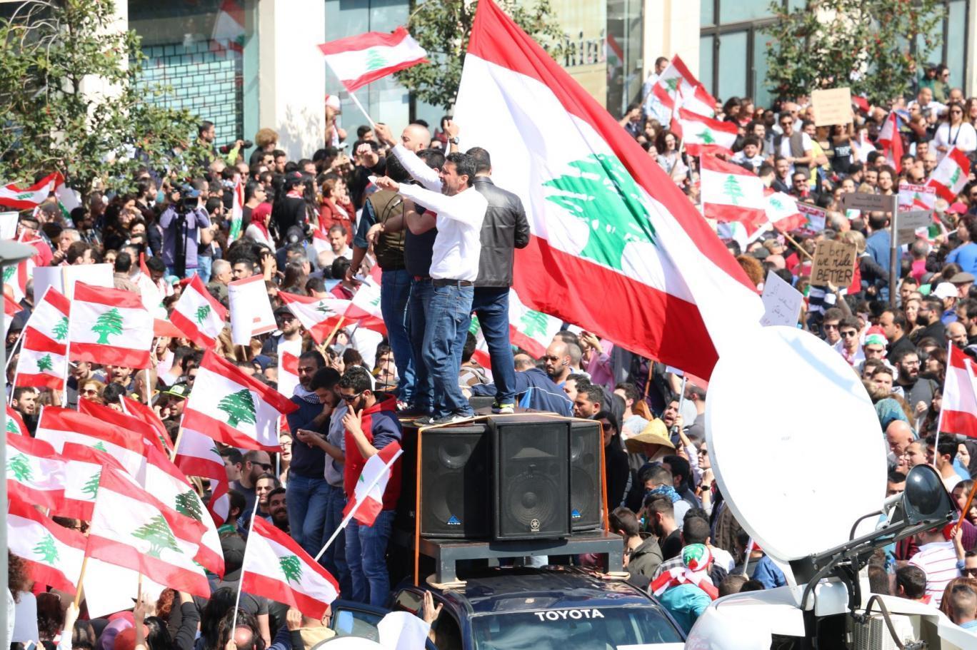 لبنان بين داريوس والإسكندر