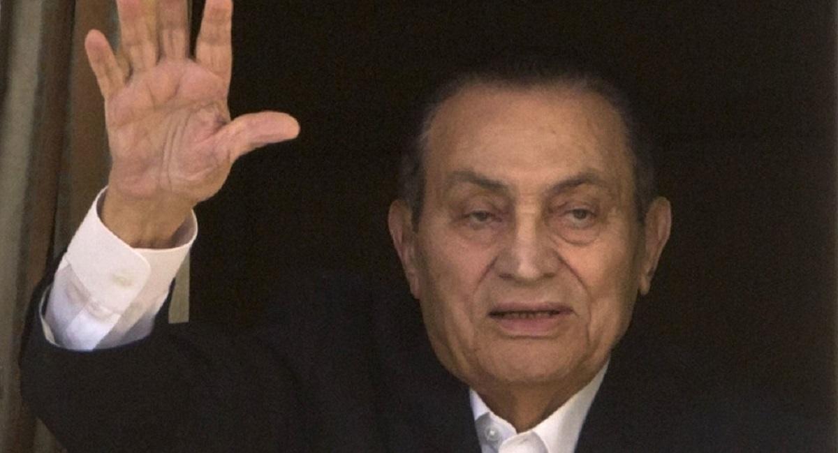 عهد حسني مبارك الذي كان يكره المخاطرة أصاب مصر بالكوارث