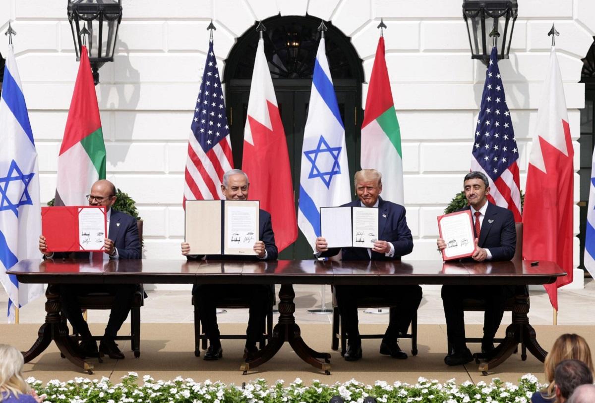 كيف يُمكِن للإتفاقِ الإماراتي-الإسرائيلي أن يُغَيِّرَ ميزانَ القوى الإقليمي
