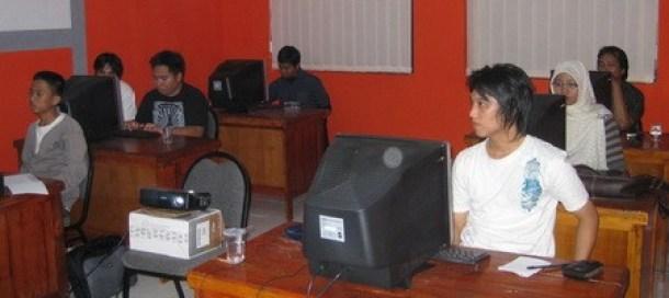 AstaMedia Blogging School, Class Room Session