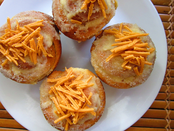 ensaymada-with-cheeze-wide