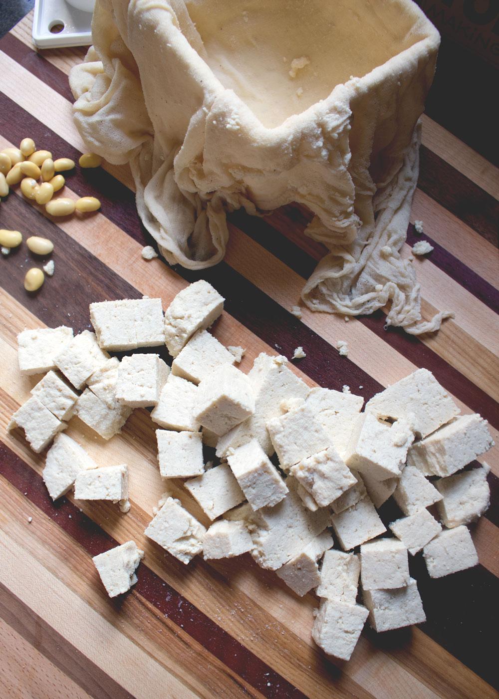 astigvegan-making-tofu