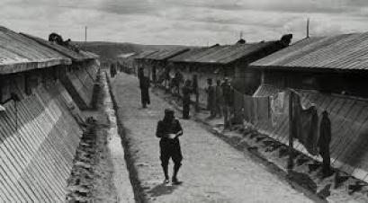 Fotografía del campo de concentración de Bram tomada por Agustí Cnetelles